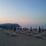 La spiaggia attrezzata di Marcelli di Numana