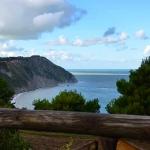 Il belvedere di Portonovo che si affaccia sulla spiaggia di Mezzavalle